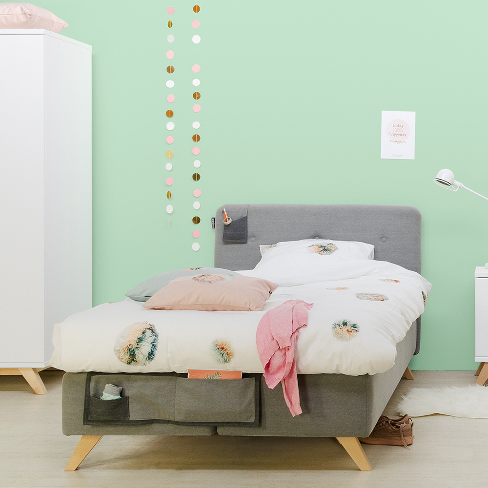 bopita boxspringbett lynn f r teens grau mit betttaschen. Black Bedroom Furniture Sets. Home Design Ideas
