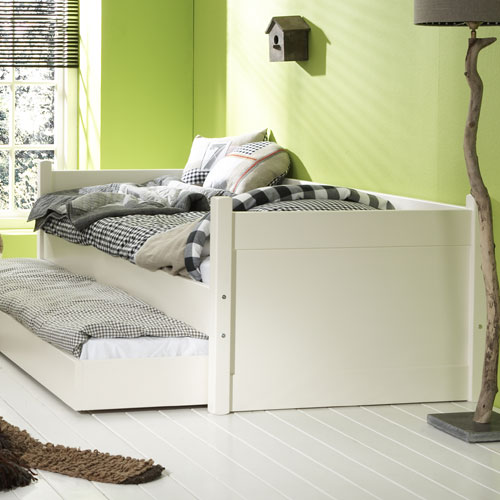 kinderbett sofabett alfred fichte massivholz 90x200cm g nstig online kaufen dannenfelser. Black Bedroom Furniture Sets. Home Design Ideas