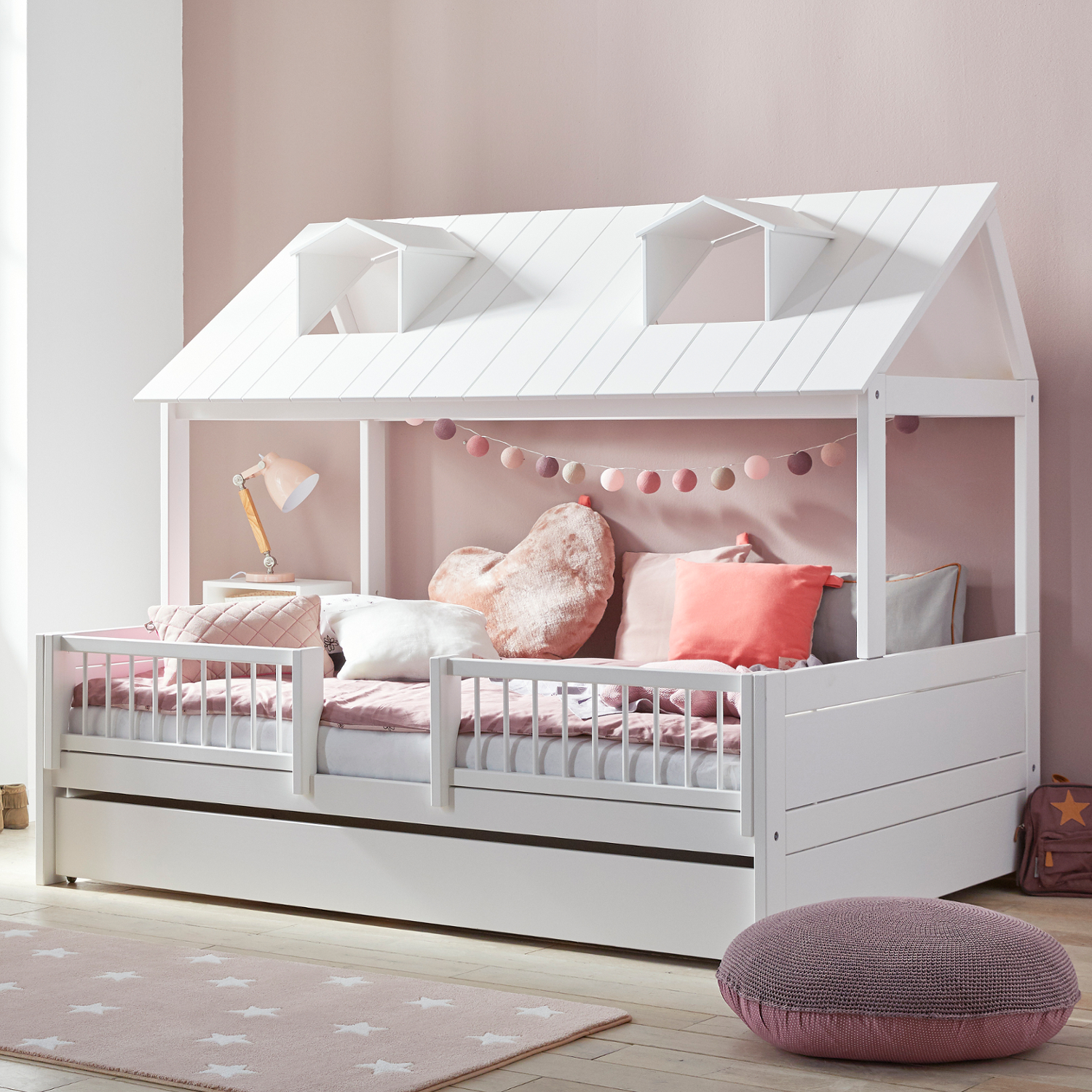 beach house kinderbett spielbett von lifetime massivholz wei hausbett in 3 gr en. Black Bedroom Furniture Sets. Home Design Ideas