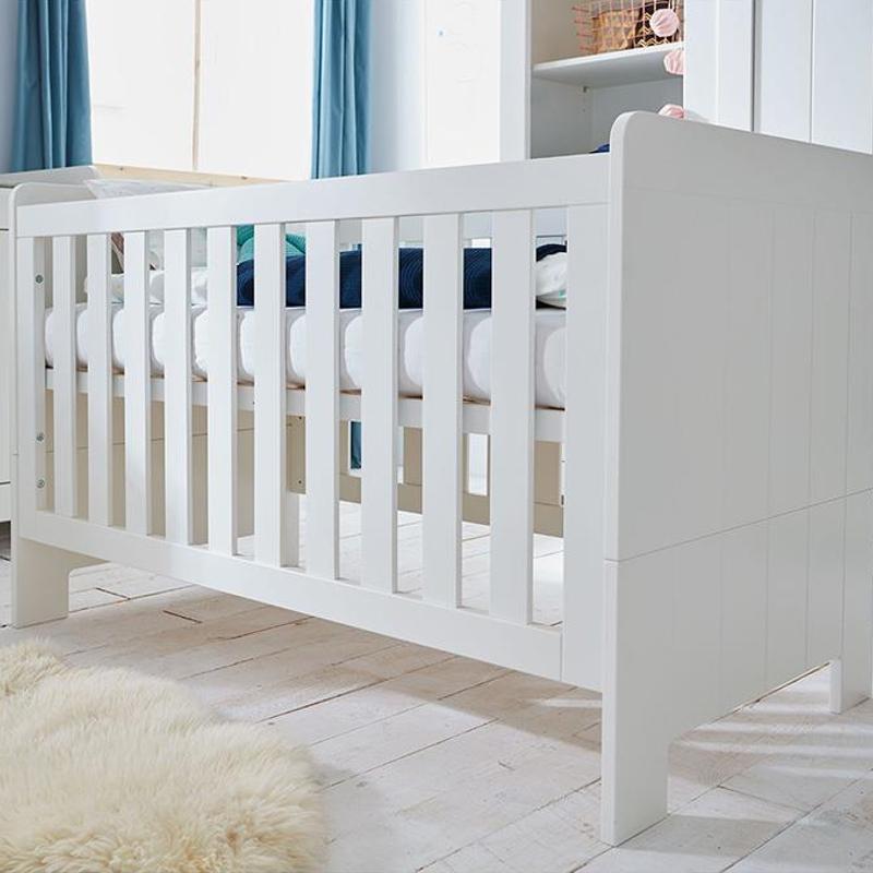 babybett carla mdf wei 2 schlupfsprossen umbaubar zum juniorbett 140x70cm dannenfelser. Black Bedroom Furniture Sets. Home Design Ideas
