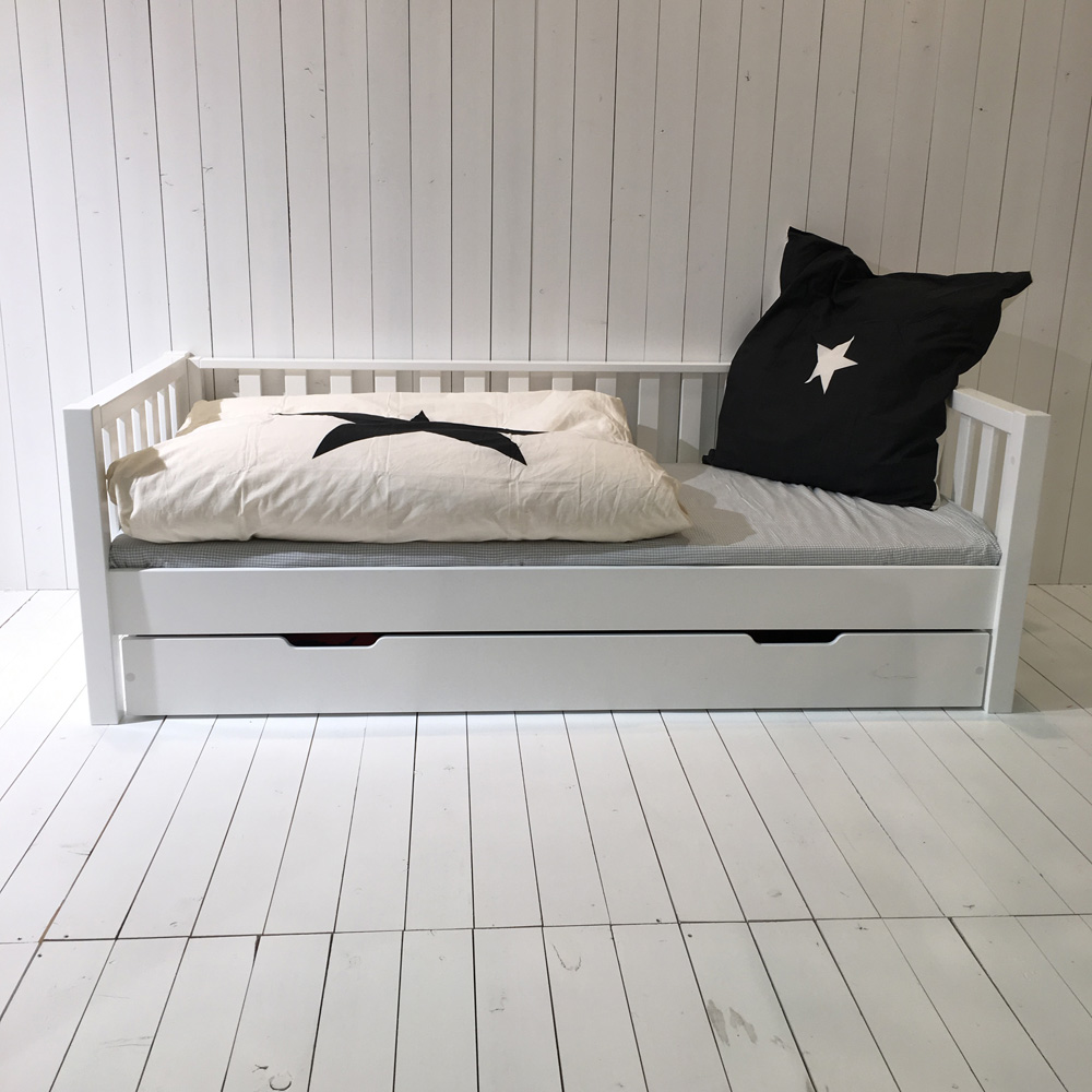 roomstar tagesbett weiss umbaubar zum basisbett skandinavisches design 90x200cm. Black Bedroom Furniture Sets. Home Design Ideas