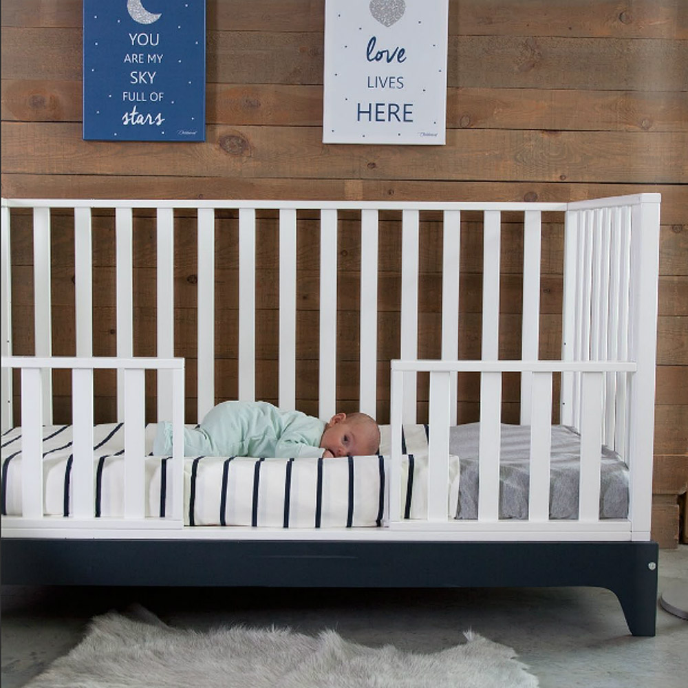 mitwachsendes babybett kinderbett juniorbett navy. Black Bedroom Furniture Sets. Home Design Ideas