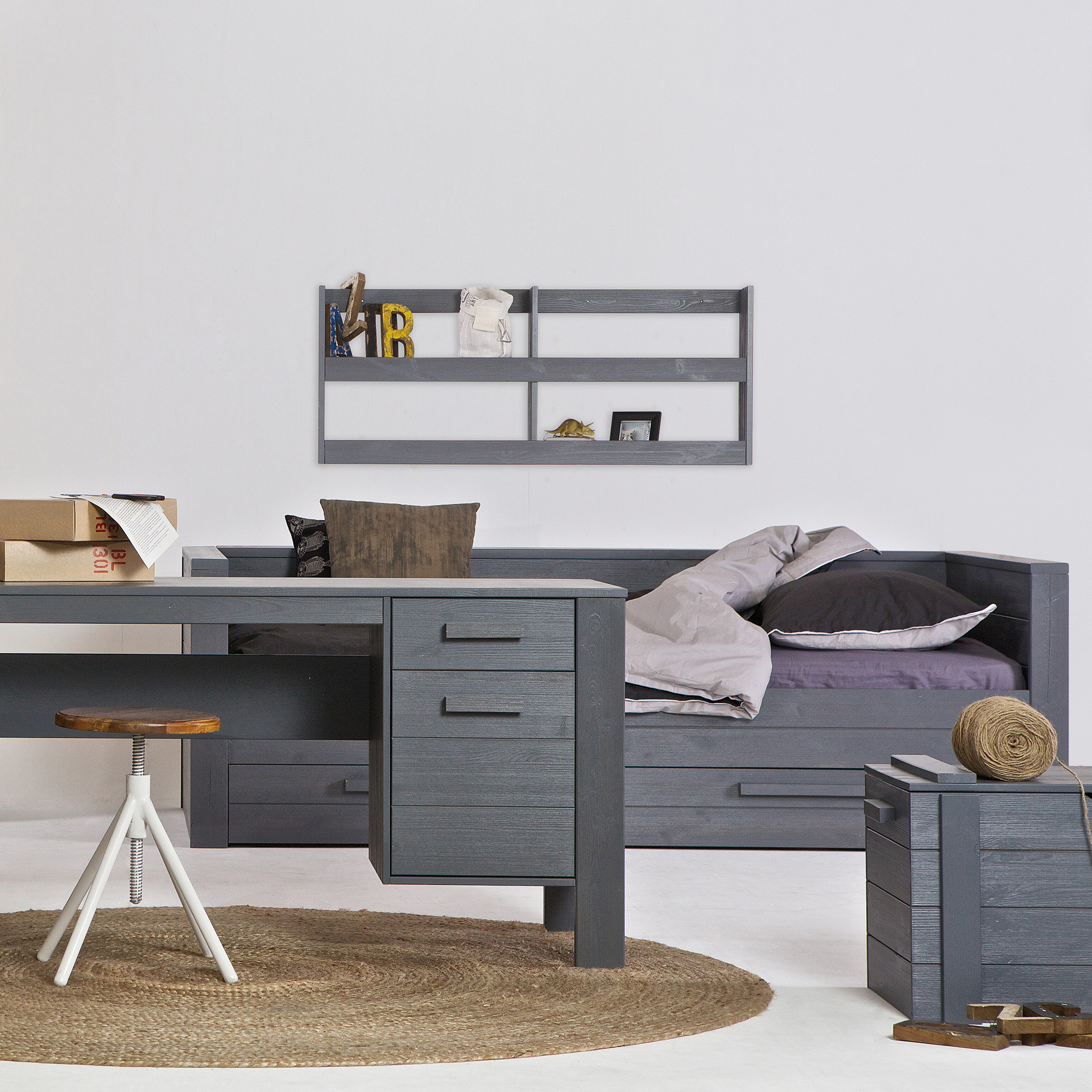 tagesbett holz free schrankbett x einzelbett holz wie neu. Black Bedroom Furniture Sets. Home Design Ideas